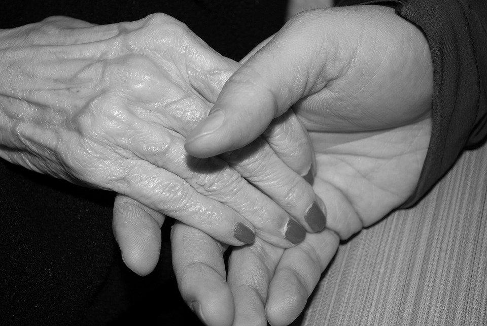 La profesionalización de la figura del cuidador en la dependencia